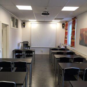 Teorisal på Nybrons Trafikskola